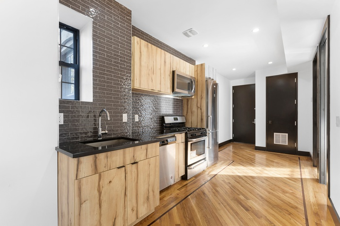 Gut Renovated - 5.276% Cap Rate - Brooklyn Brownstone - Corner Lot - Prospect Park South